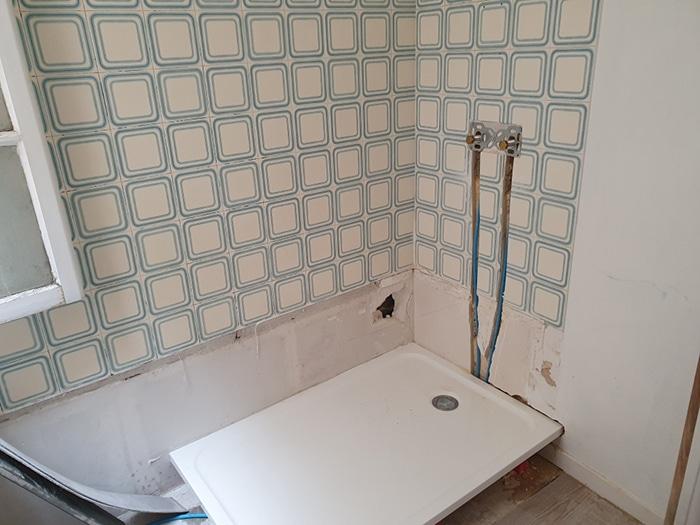 Dépose-de-la-baignoire-et-installation-du-receveur