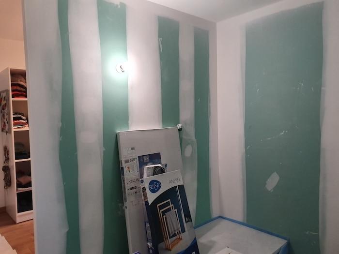 Préparation des matériaux pour la salle de bain