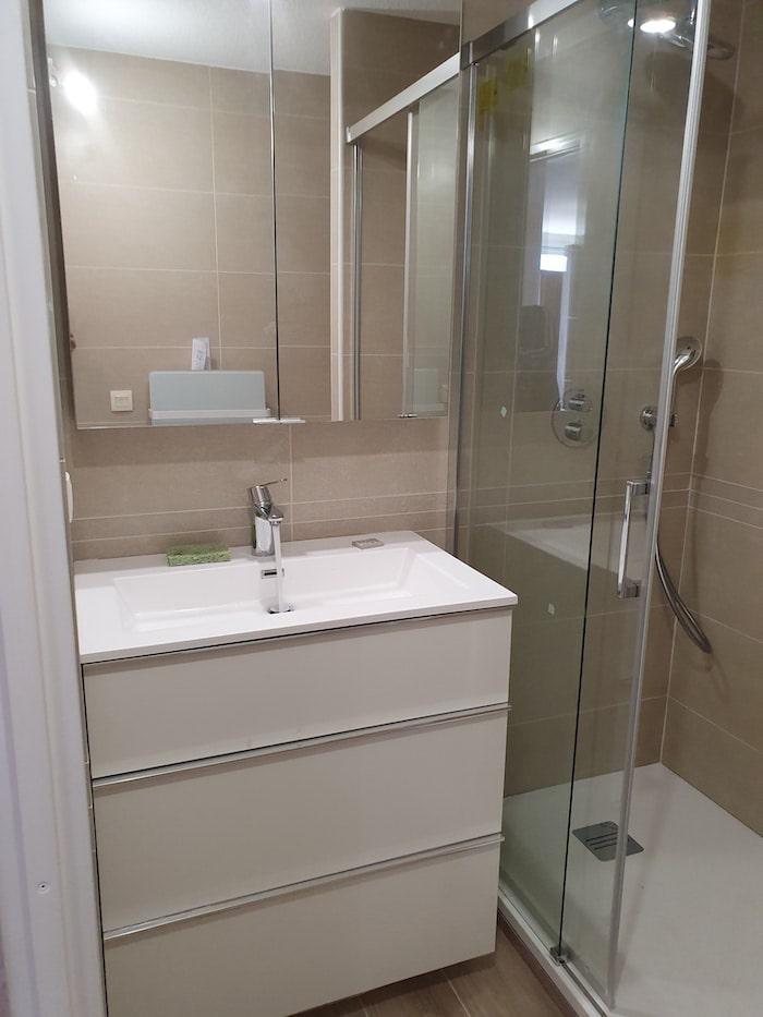 Espace lavabo et douche Salle de Bain Bordeaux